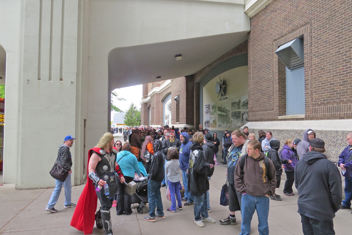 MSP ComiCon 2016 - The beginning of the line just before 10am on Saturday, May 14, 2016
